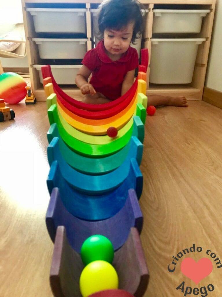 arco-iris-waldorf-circuito-de-bolas