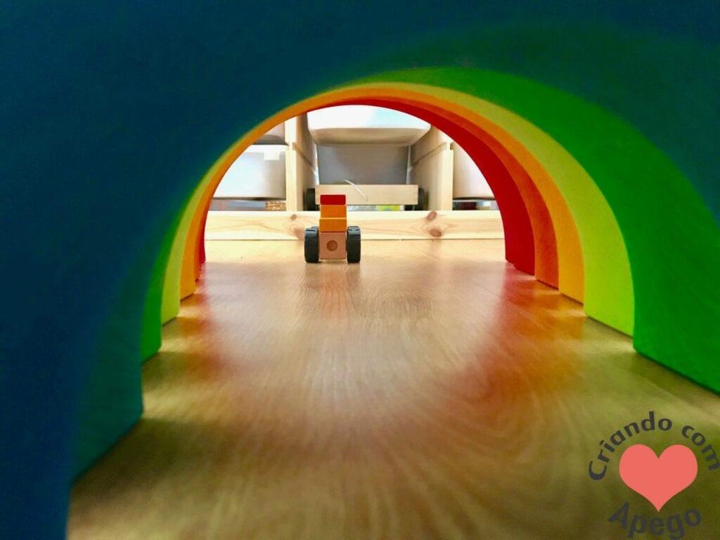 arco-iris-waldorf-tunel-1