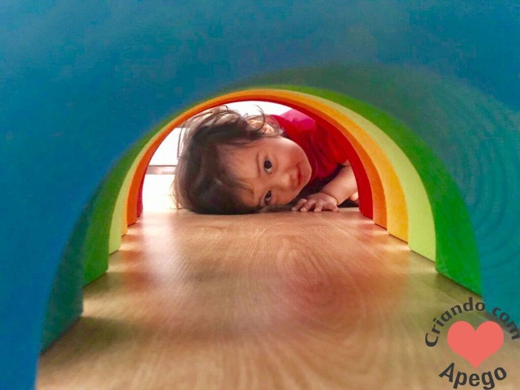 arco-iris-waldorf-tunel
