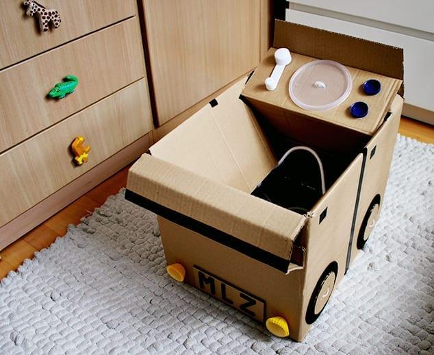 carro feito de caixa de papelao 01