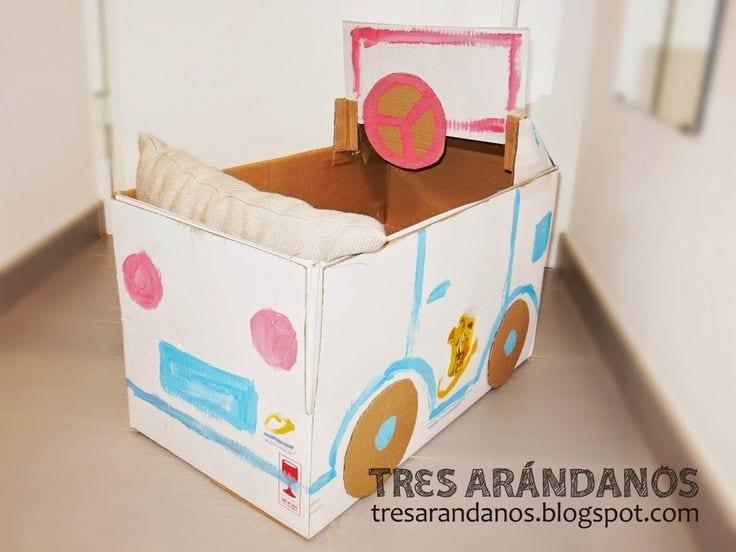 carro feito de caixa de papelao 02