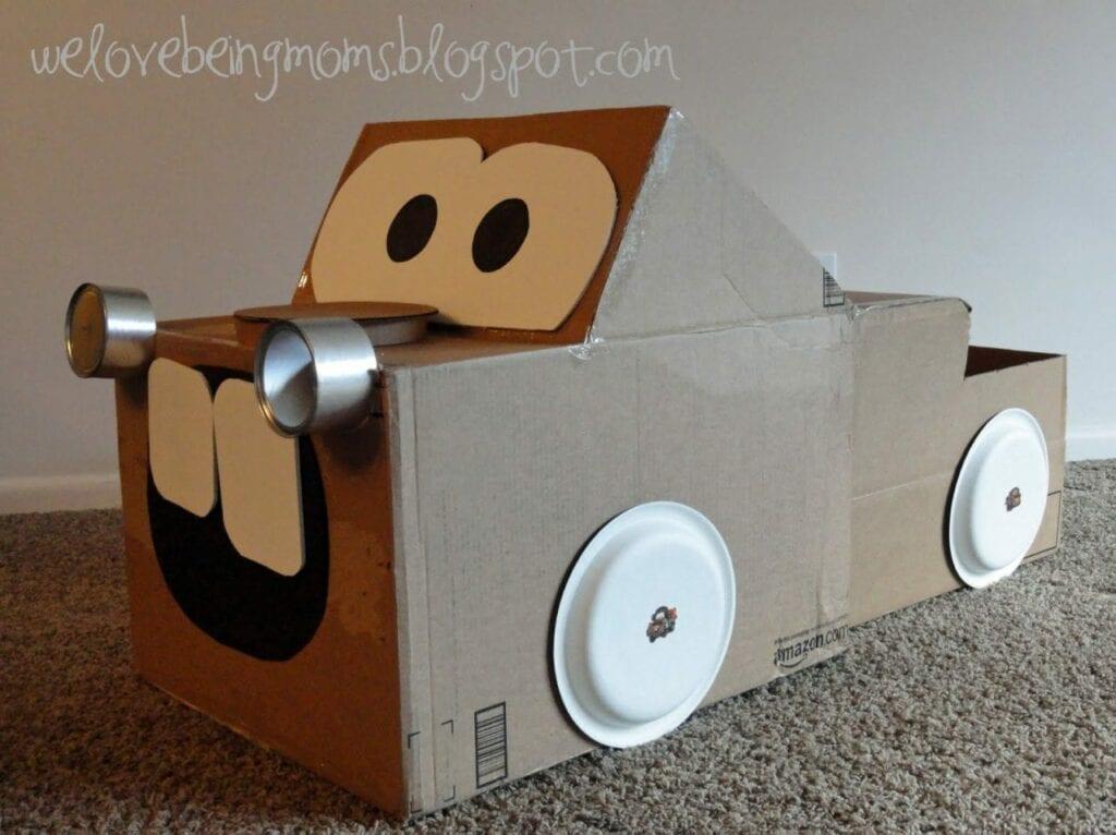 carro feito de caixa de papelao 16