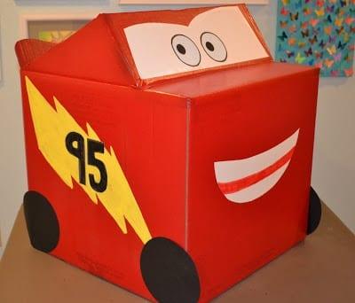 carro mcqueen caixa de papelao