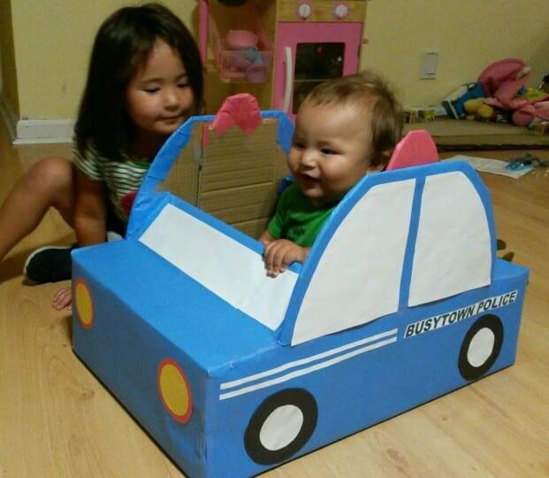 carro para bebe com caixa de papelao