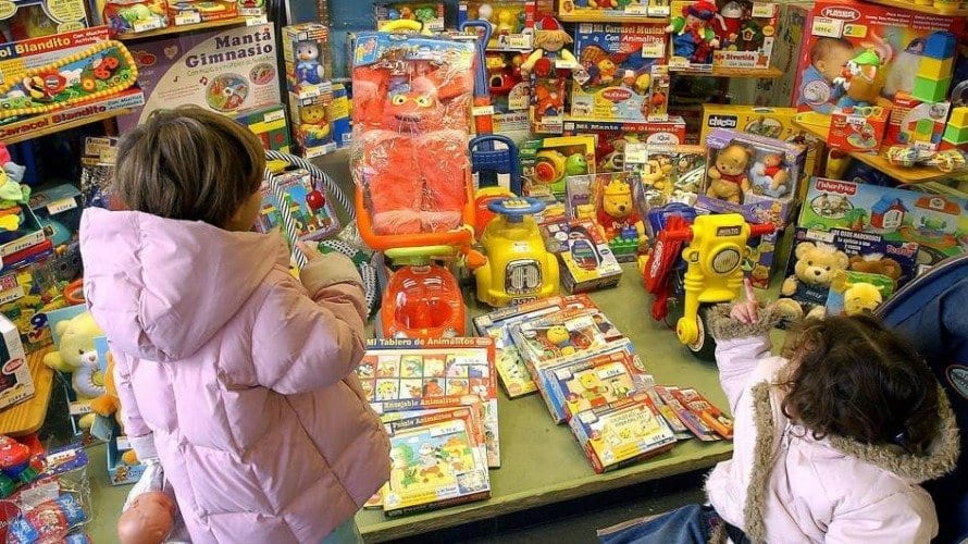 excesso de brinquedos