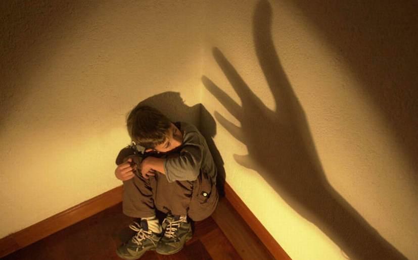 castigo e maltrato fisico