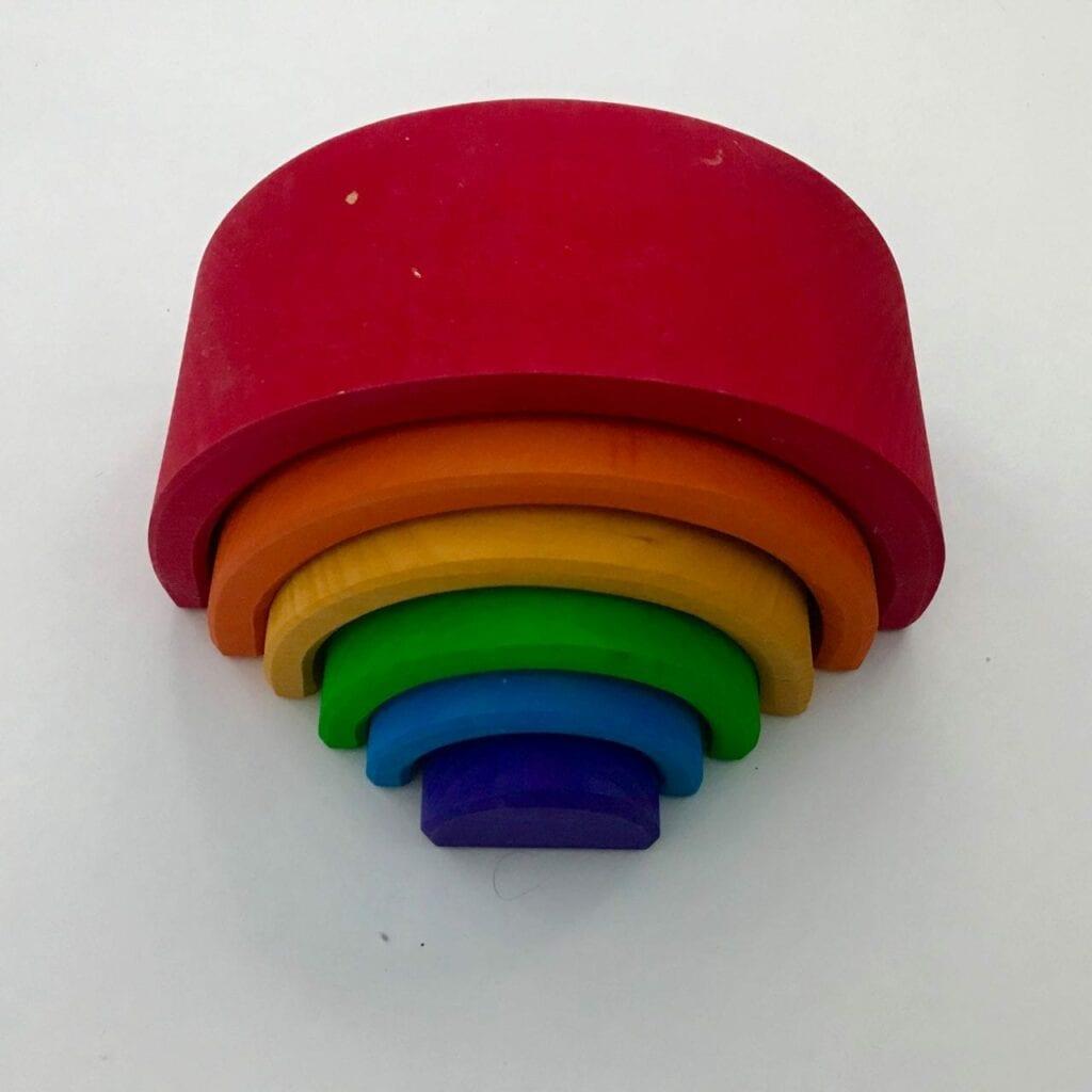 presente para bebe de 1 ano arco iris waldorf