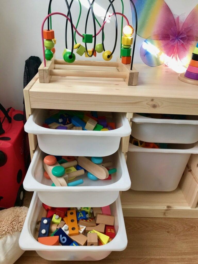 armario de guardar brinquedos 05