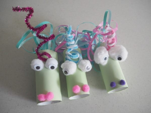 unicornio com papel higienico 19