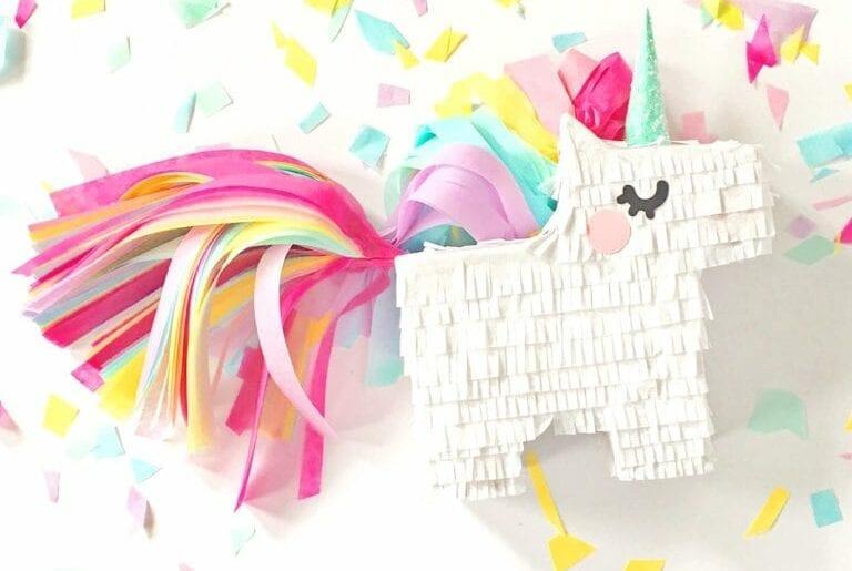 unicornio feito de caixa de papelao 09v