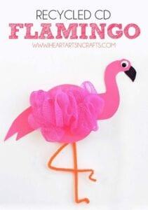 Flamingo feito com bucha de banho