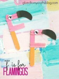 Flamingo feito com palito de picolé