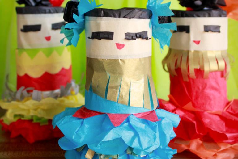 frida kahlo com rolos de papel higienico