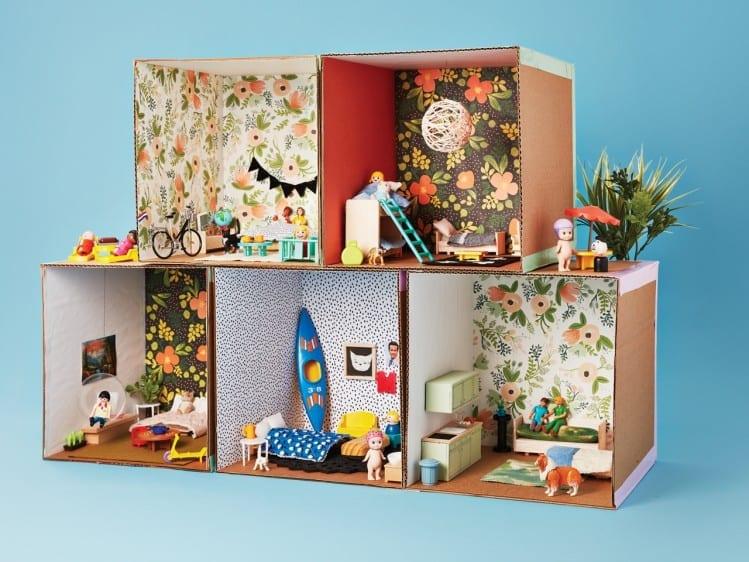 Como fazer casinha de boneca de papelao 01