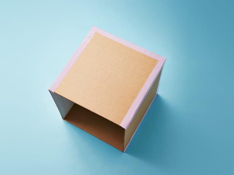 Como fazer casinha de boneca de papelao 02