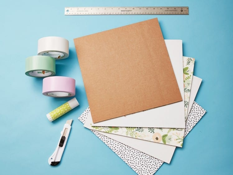 Como fazer casinha de boneca de papelao 05