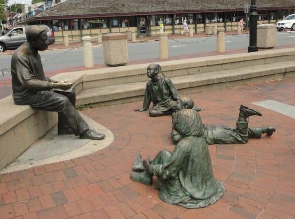 Monumento ao escritor americano Alex Haley em Annapolis, Maryland, EUA