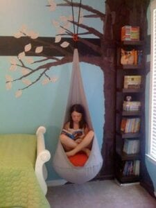 Espaço de leitura infantil em casa