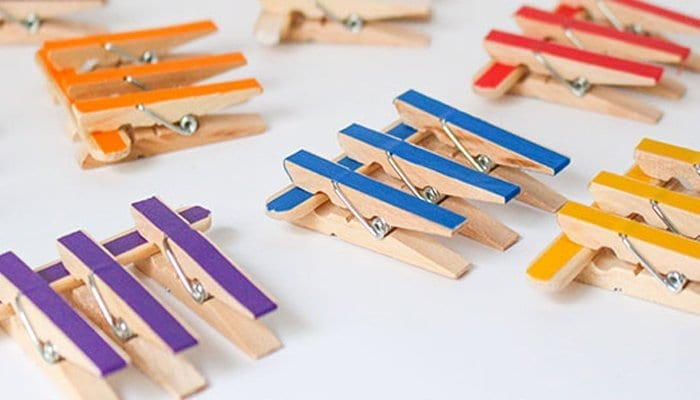 pregadores e palitos jogos educativos para aprender as cores