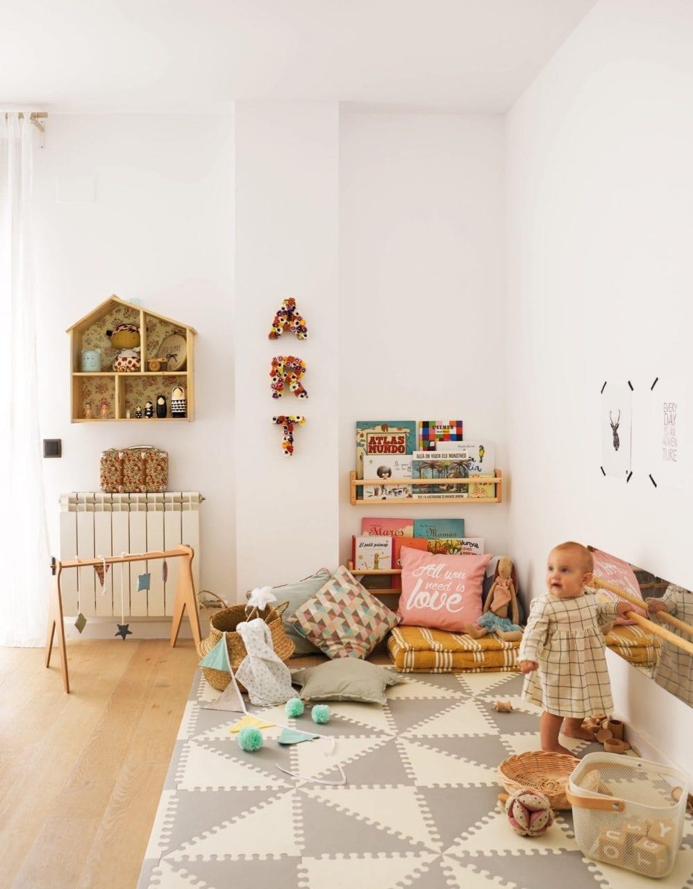 Espelho montessoriano 02 criando com apego for Decoracion habitacion infantil montessori