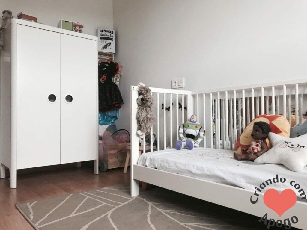 guarda-roupa montessoriano quarto bebe