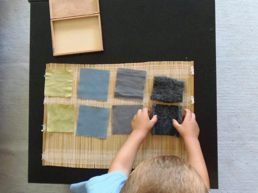 jogos de aprendizagem caixa de tecidos montessori