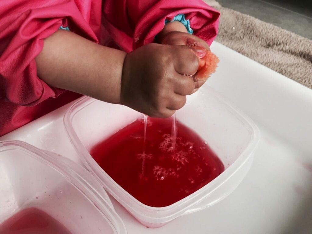 transferencia de liquidos com esponja atividade 14