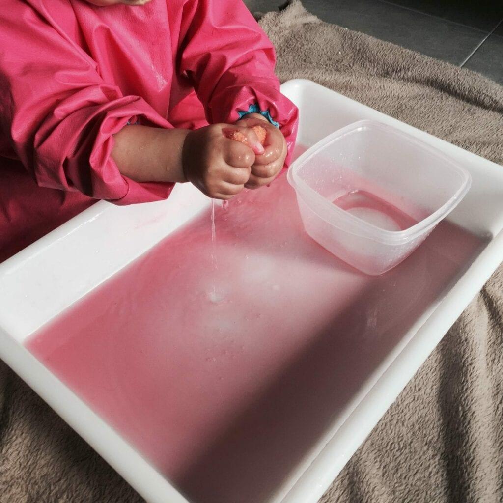 transferencia de liquidos com esponja atividade 16