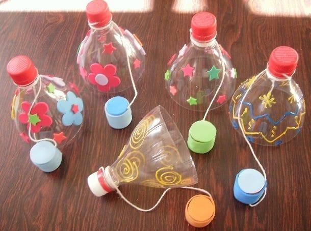brinquedos reciclados garrafas pet bilboque
