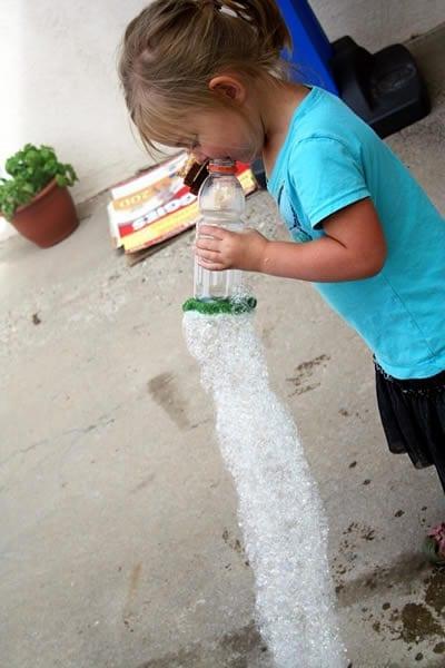 brinquedos reciclados garrafas pet bolha de sabao