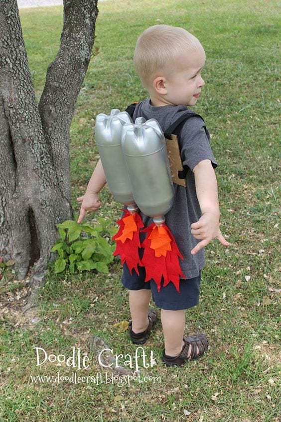 brinquedos reciclados garrafas pet mochila foguete