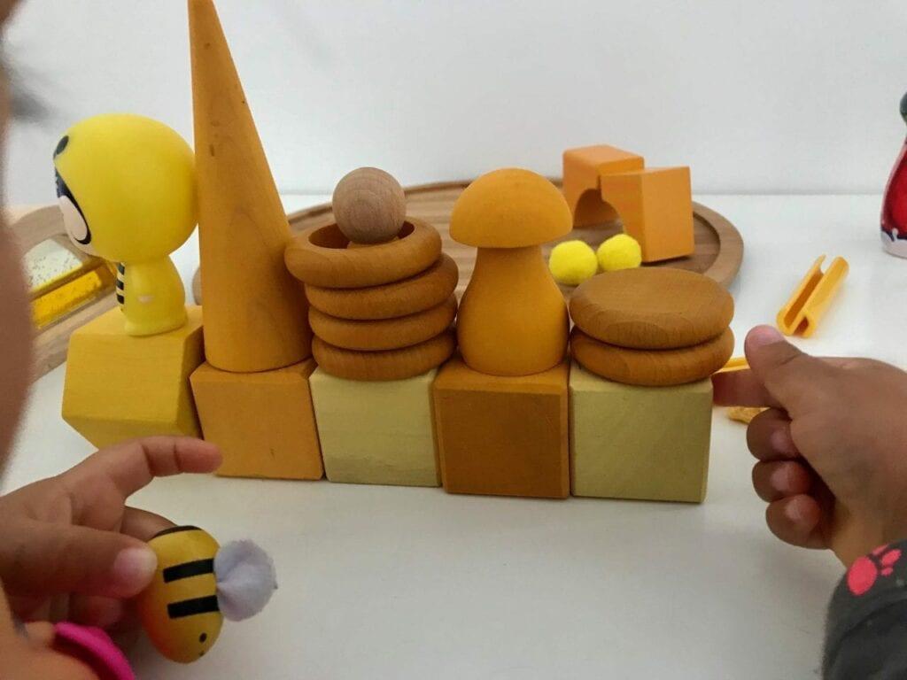 atividade com a cor amarela 12