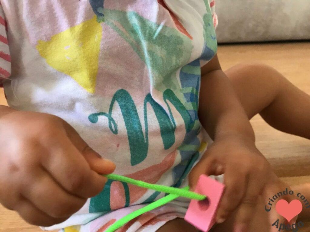 brinquedo de alinhavo na educacao infantil 03