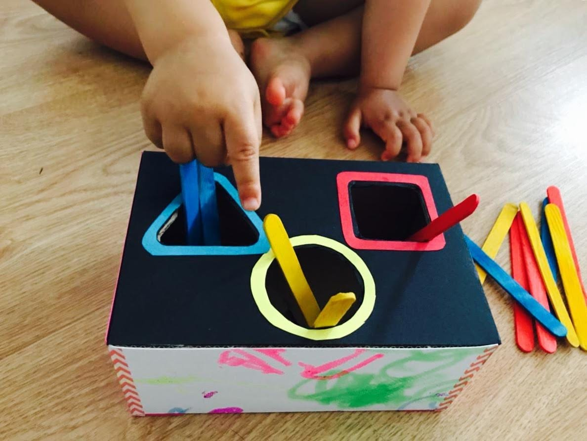 caixa para classificacao das cores primarias