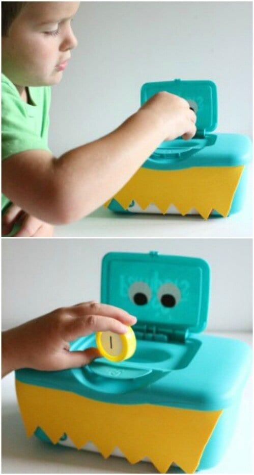 atividade alfabeto com caixa de lenco umedecido 02