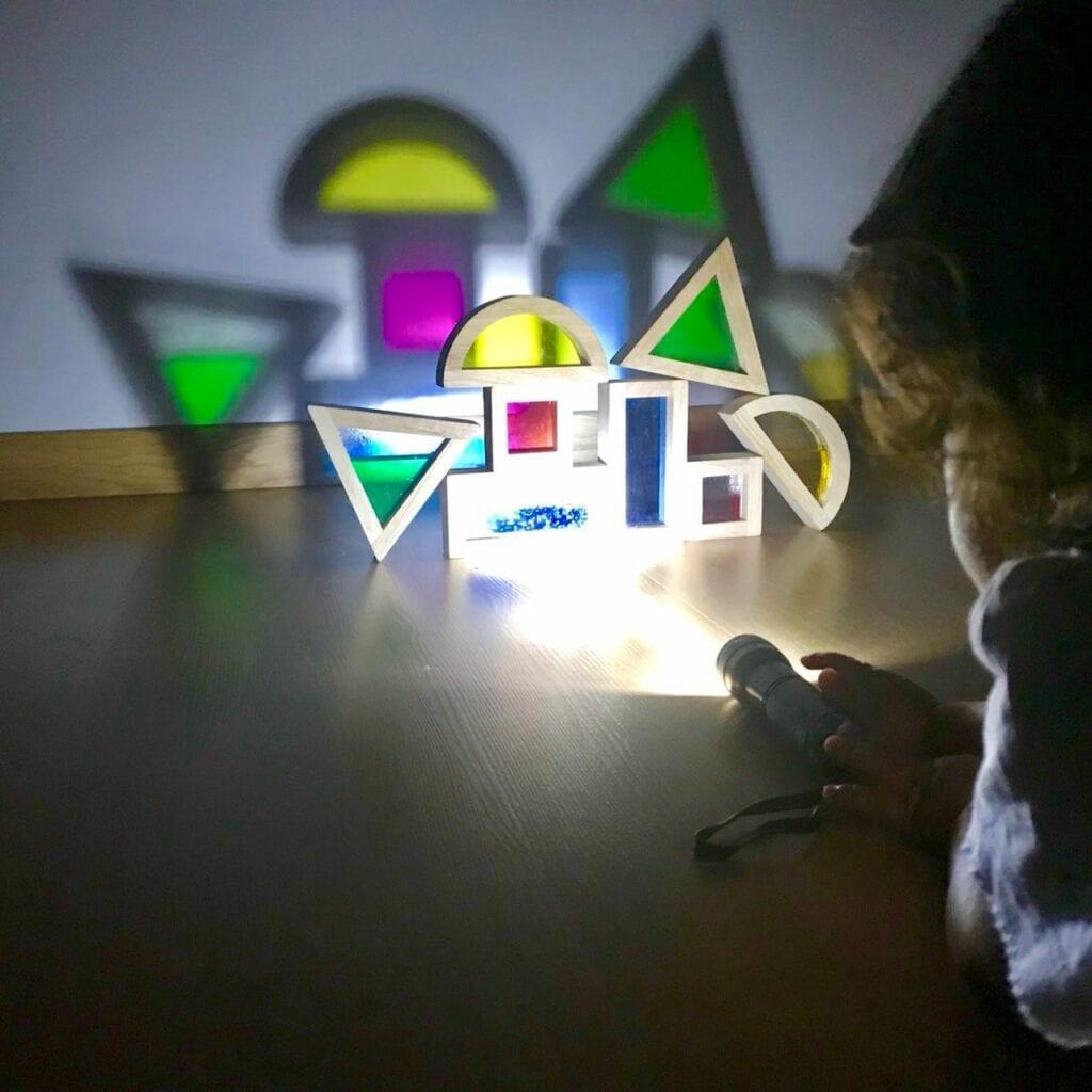 atividade com luz e sombra reggio emilia 02
