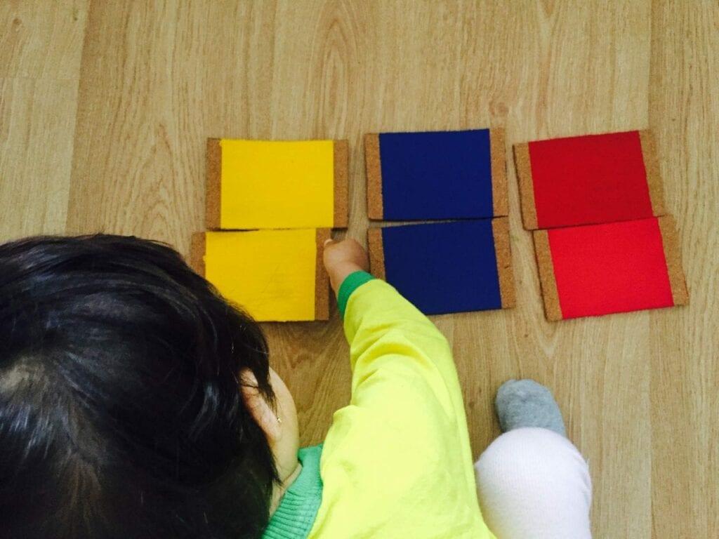 caixa de cores montessori 06