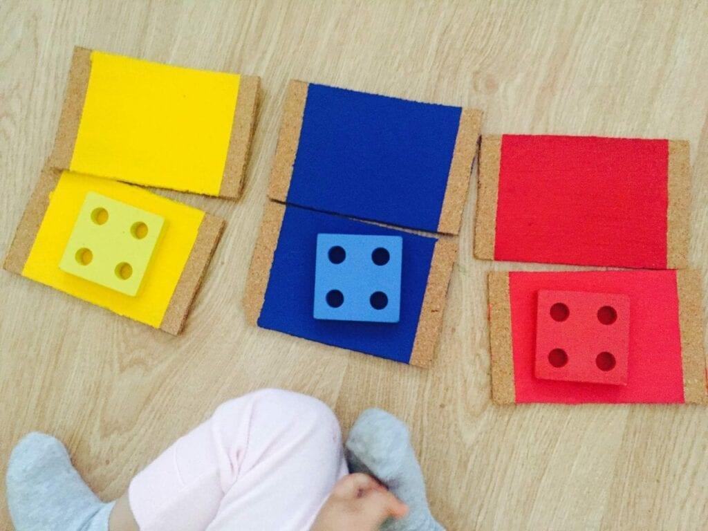 caixa de cores montessori 08