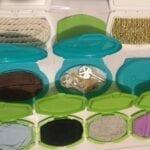 painel sensorial montessori com caixa de lenco umedecido 04