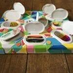 painel sensorial montessori com caixa de lenco umedecido 07