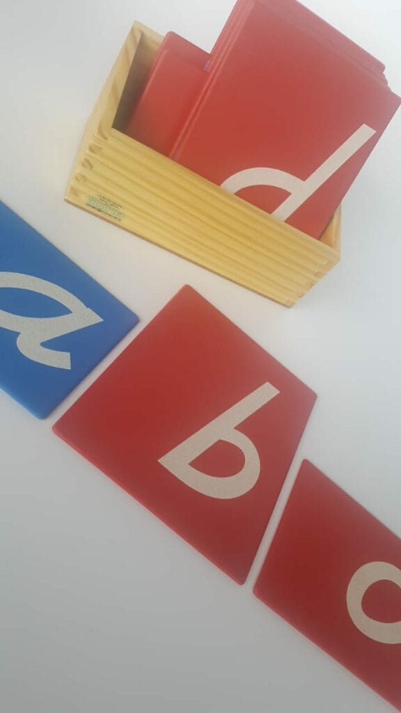 alfabeto letras de lixa montessori 01