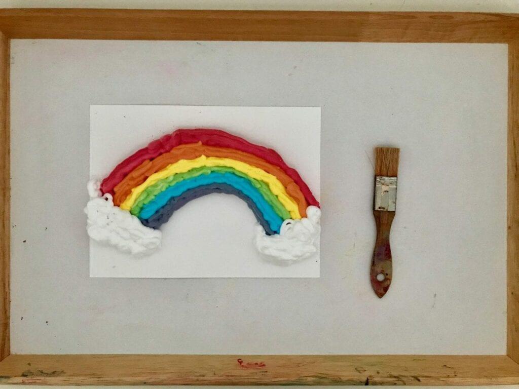 atividade de pintura arco iris com espuma de barbear 03