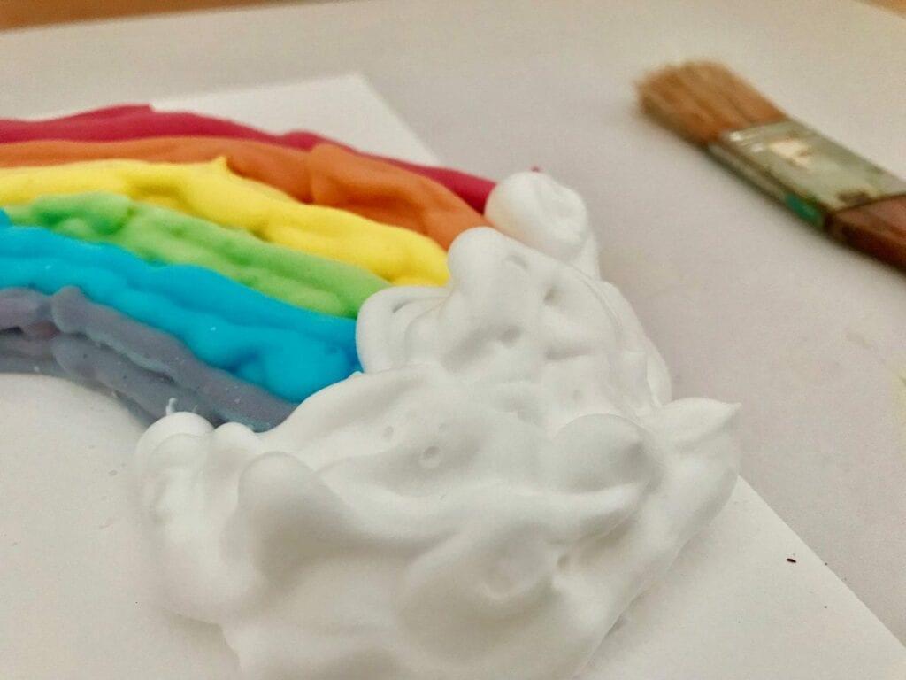 atividade de pintura arco iris com espuma de barbear 05