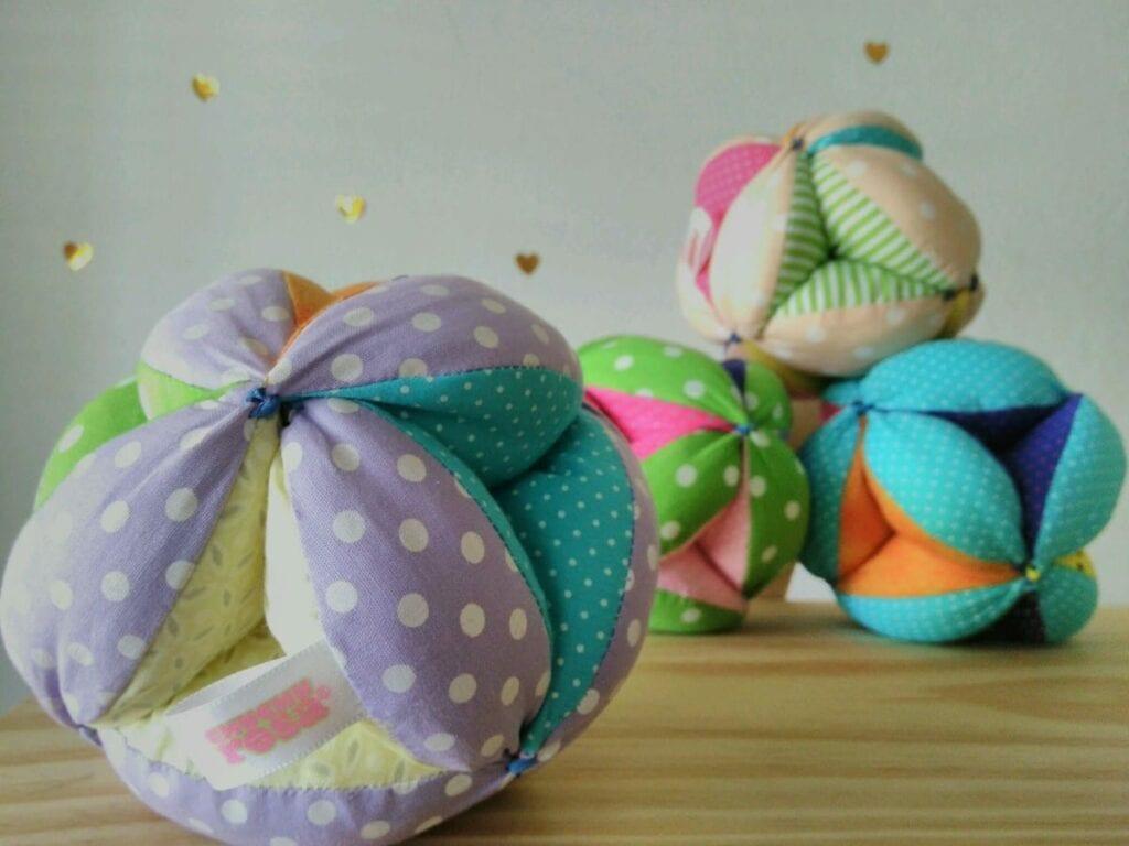 bola montessori brinquedos legais para bebes