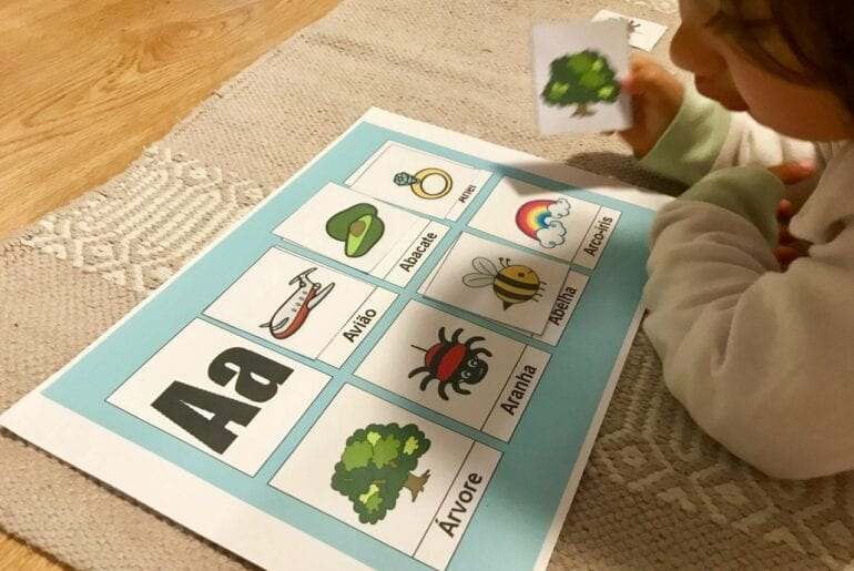 atividades com vogais inspiradas em montessori a 5
