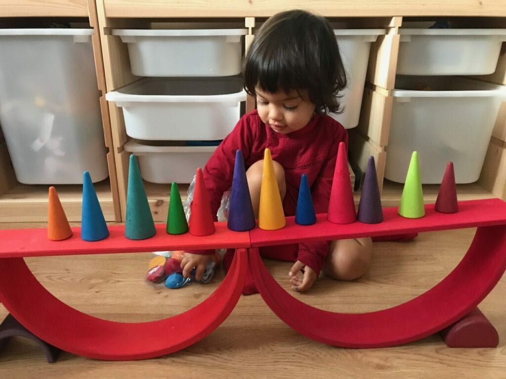 brinquedos de madeira brinquedos de plastico 05