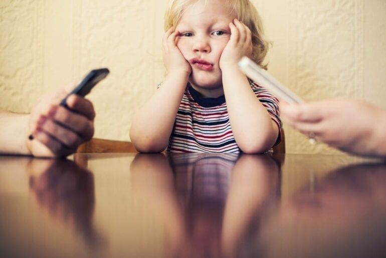 phubbing uso celular por criancas