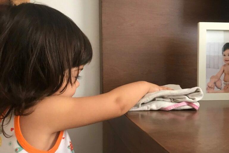 crianca ajudar nas tarefas domesticas
