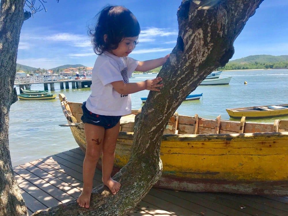 natureza como patio de brincar da crianca 04