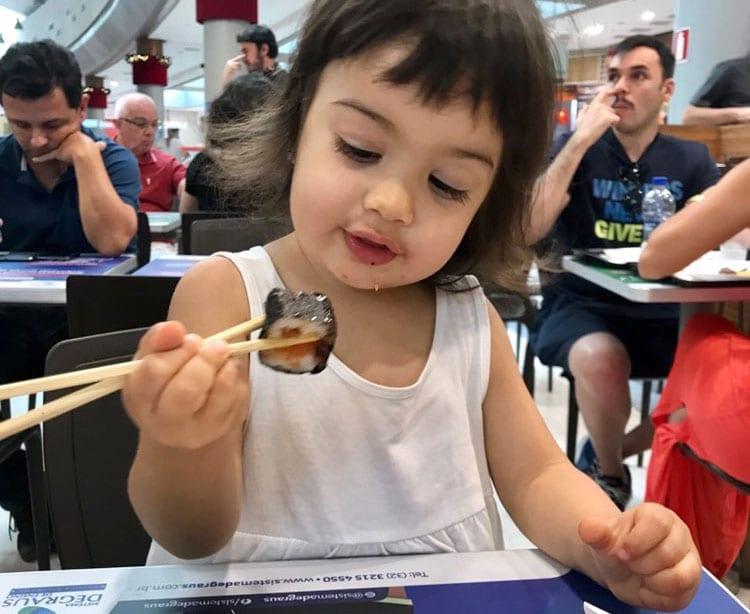 o que uma crianca de 2 anos pode fazer sozinha